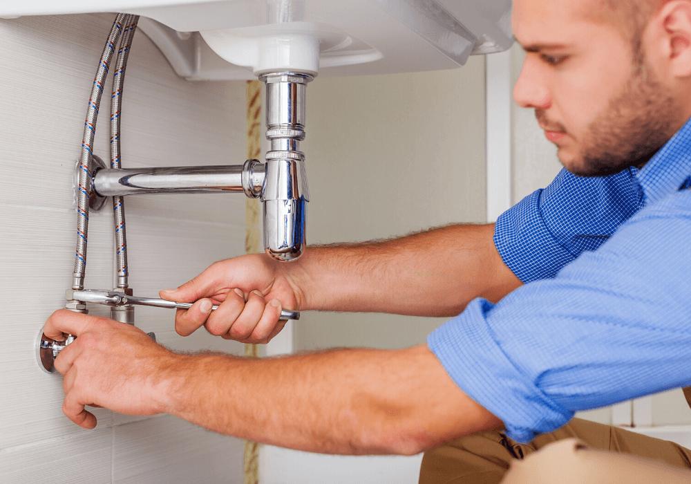 Uno de los usos que puedes dar a tu préstamo personal es para reparar algún desperfecto en tu casa.